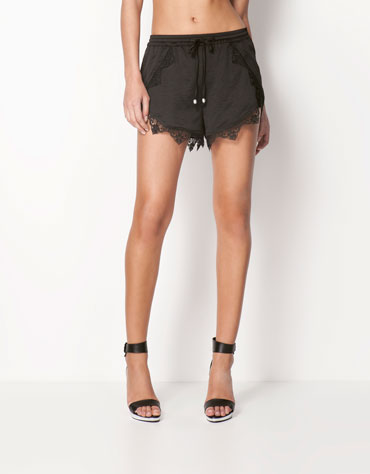 http://static.bershka.net/4/photos/2013/V/0/1/p/3612/168/800/3612168800_1_1_3.jpg?timestamp=1366730898237