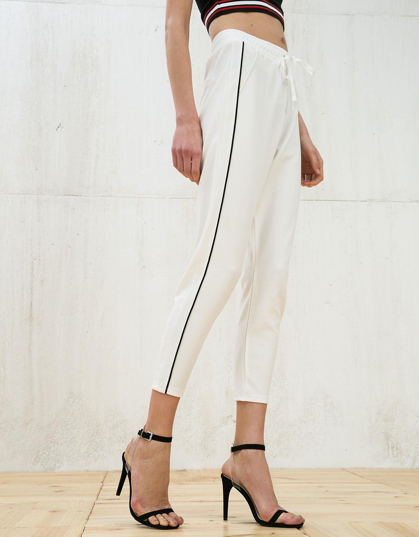 Pantalone con striscia laterale