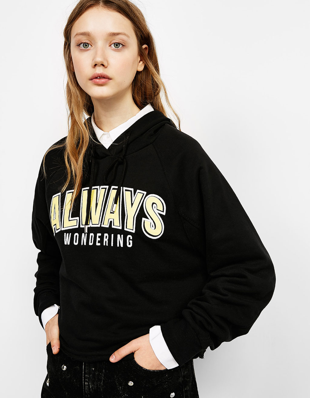 Embroidered cropped hooded sweater