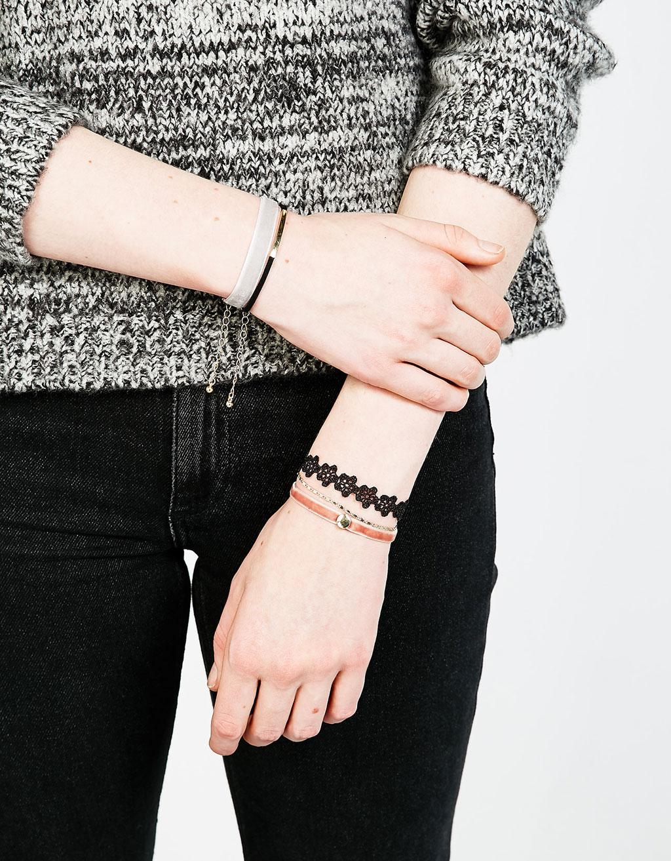 Set 5 pulseras velvet y encaje