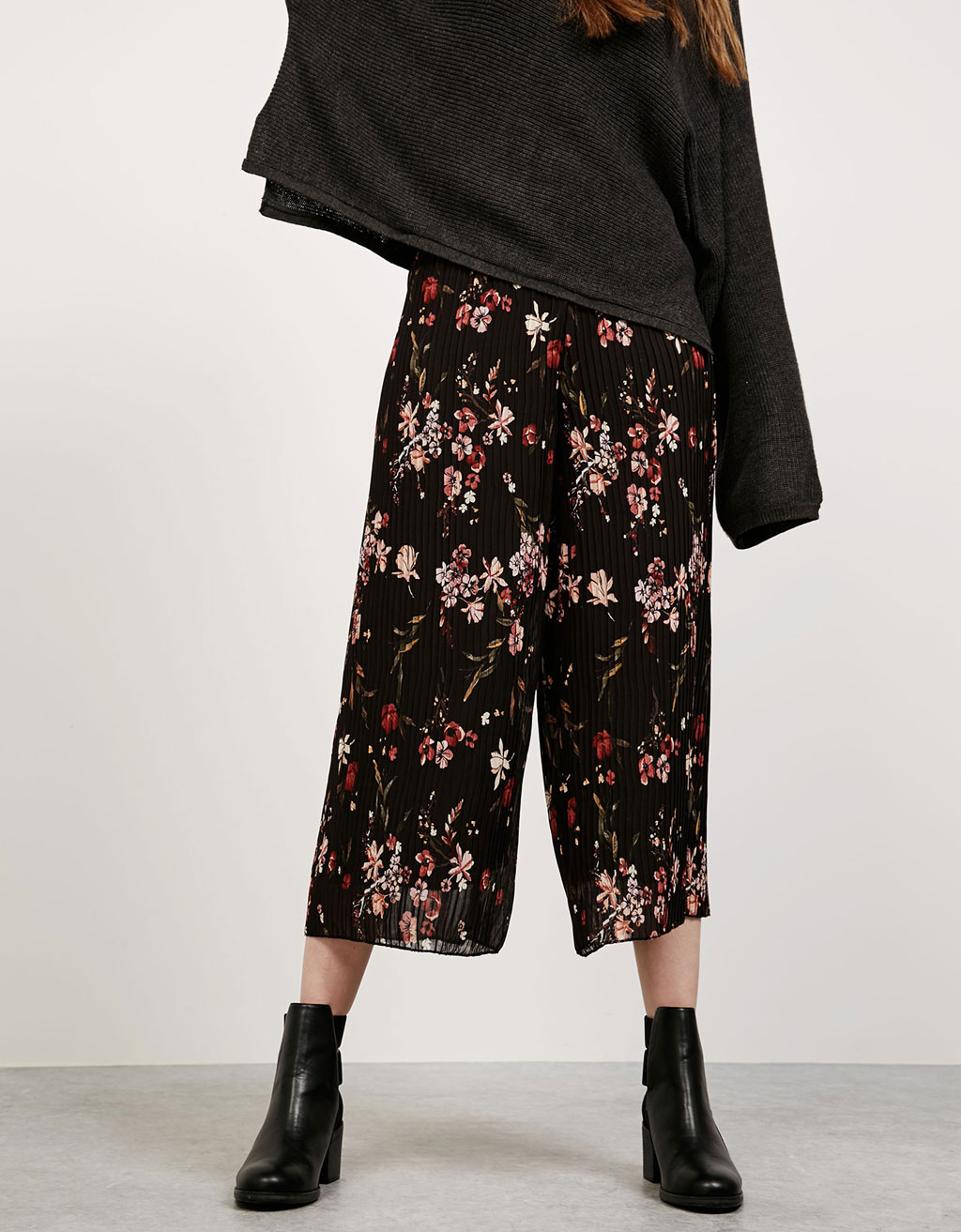 Pleated floral culotte trousers