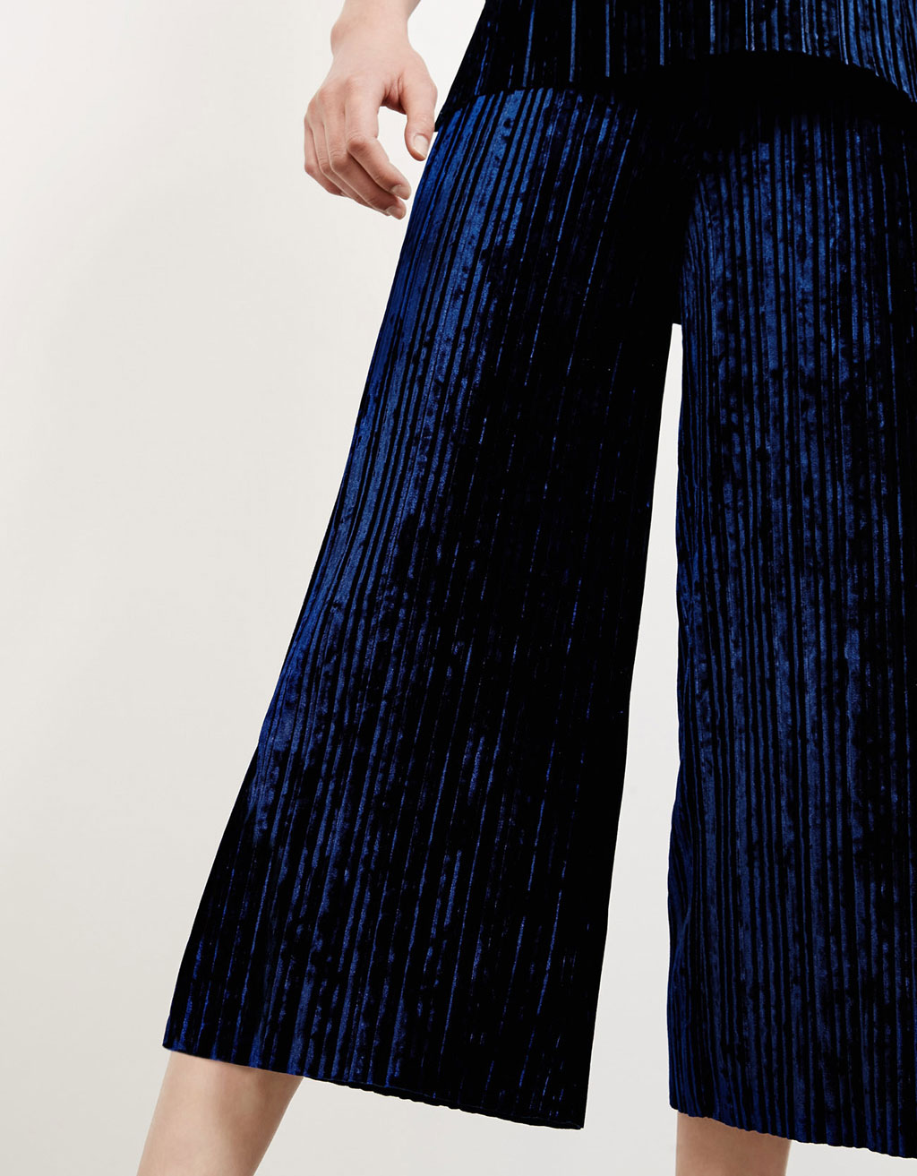 Pleated velvet culotte trousers