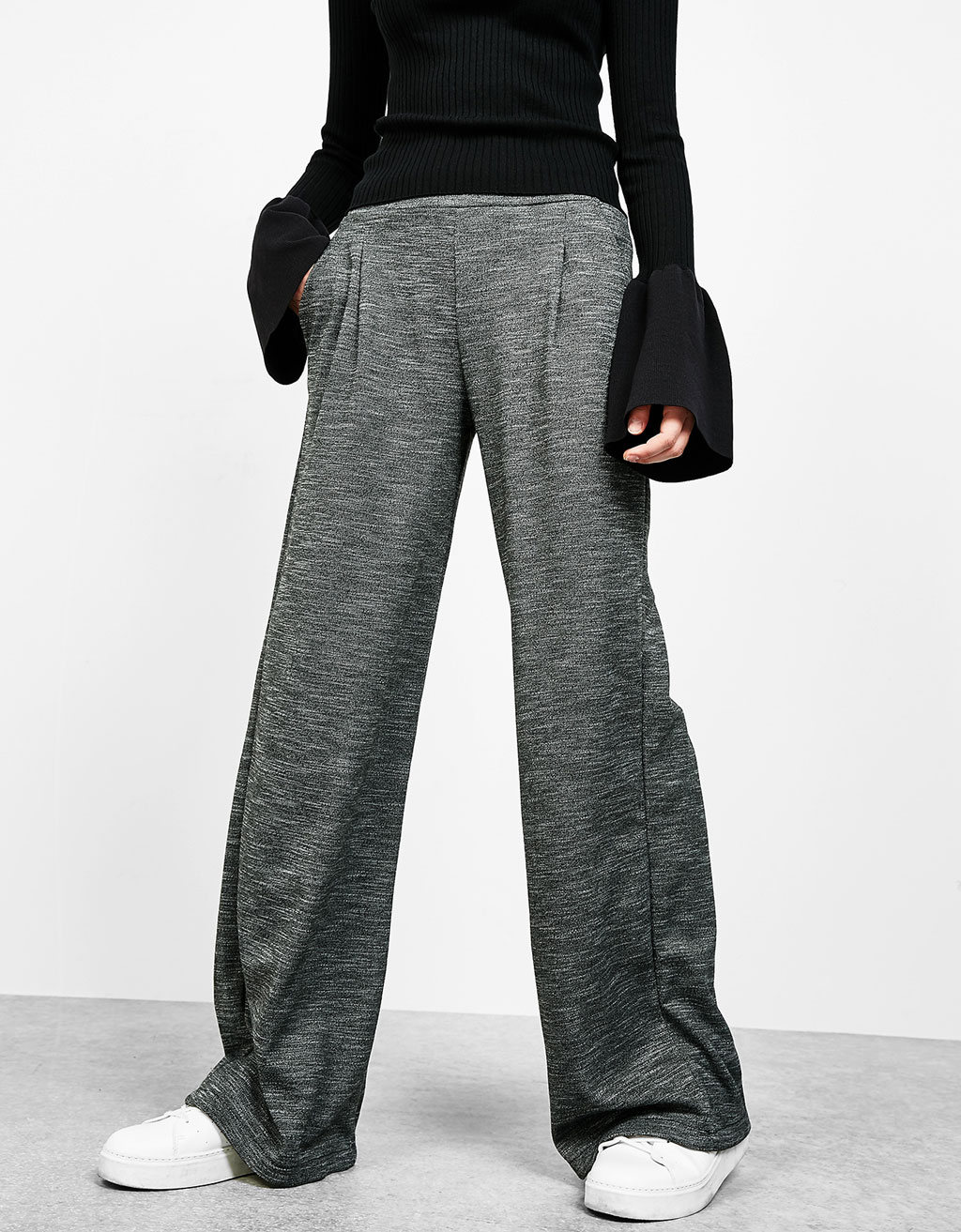 Wide cut tailored trousers
