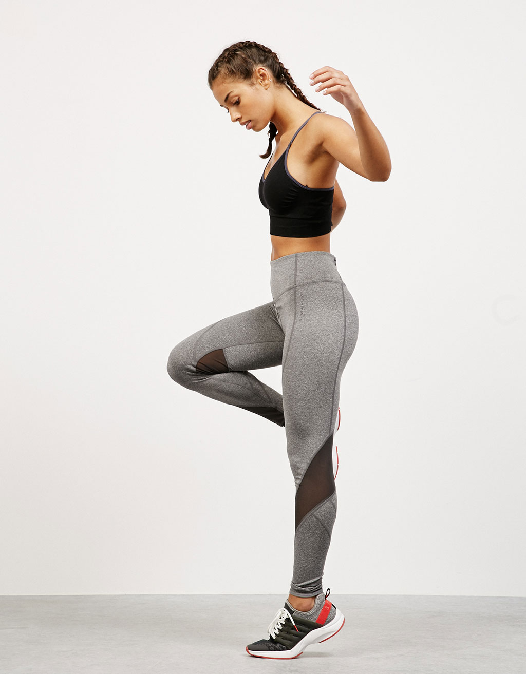 High waist, technical sports leggings with contrast detail