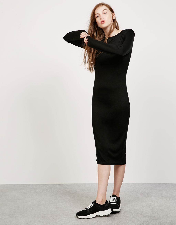 Robe noire bershka
