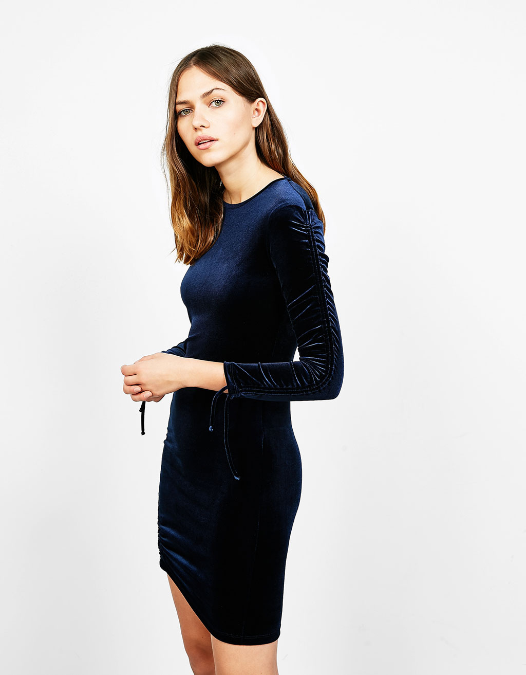 Fitted velvet dress with gathering