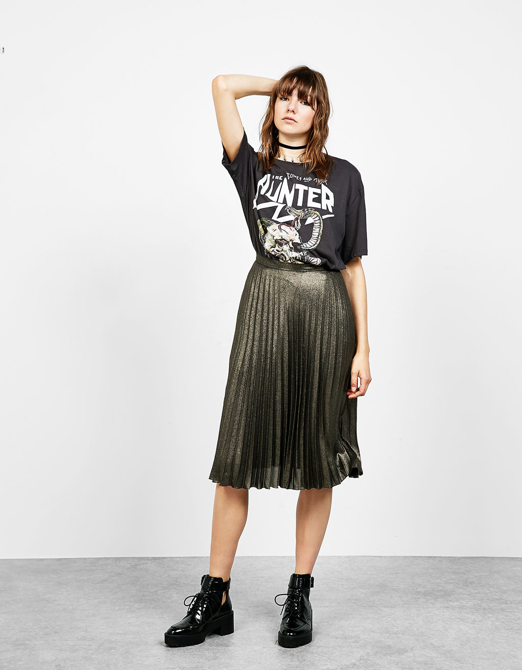 Shimmer crepe pleated skirt