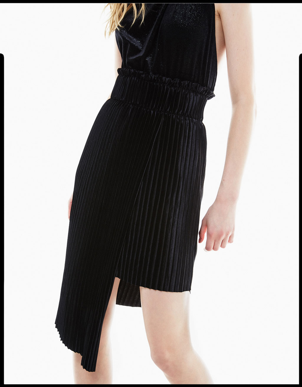 Asymmetric pleated velvet skirt