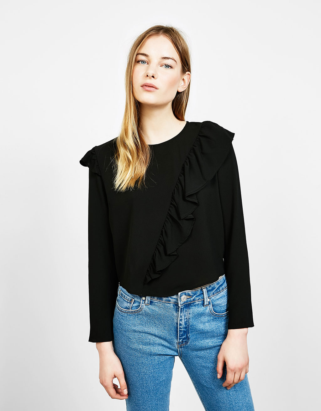 Long sleeved blouse with diagonal frill