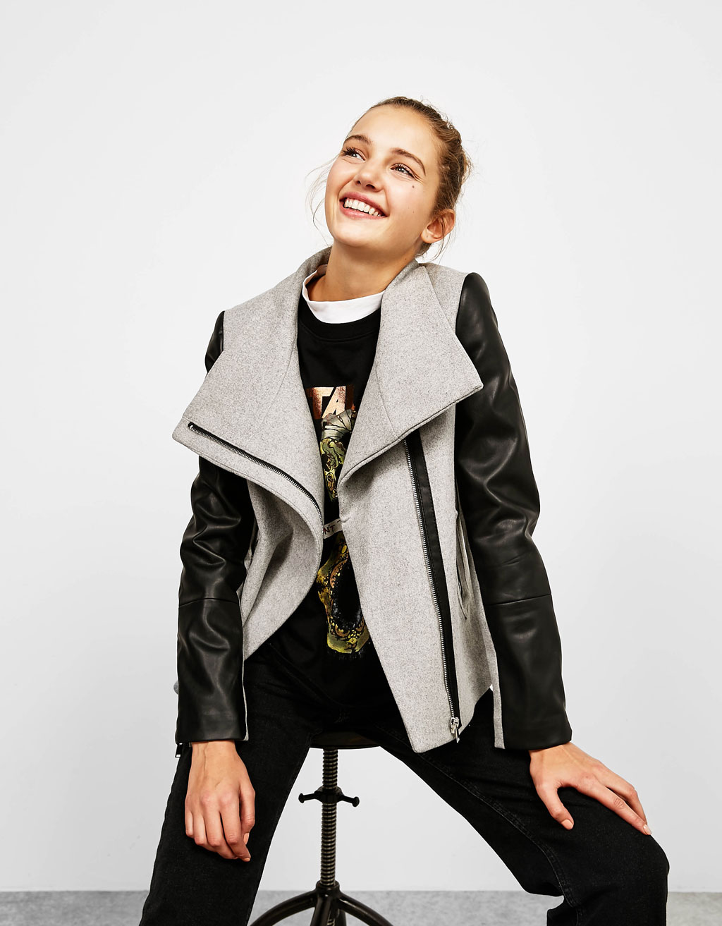 Wool jacket with side zip on leather-effect sleeves