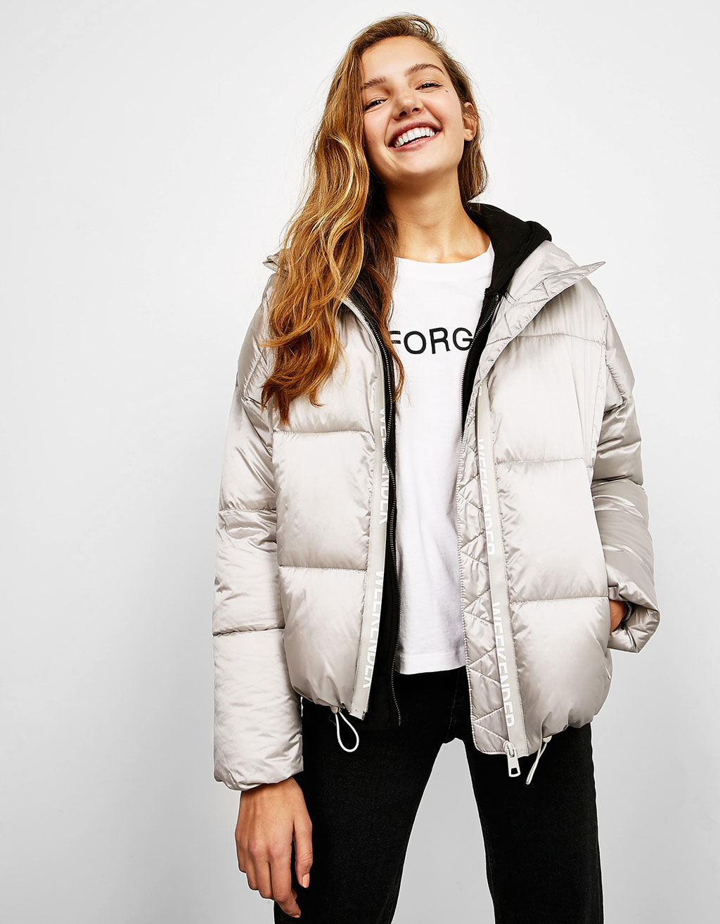 Puffy silver jacket with slogan zip