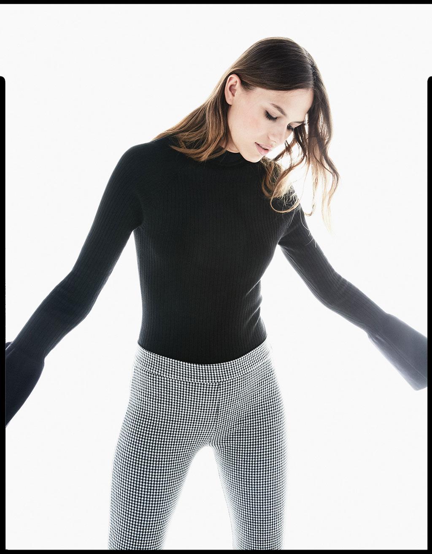 Pullover mit freiem Rücken und Glockenärmeln