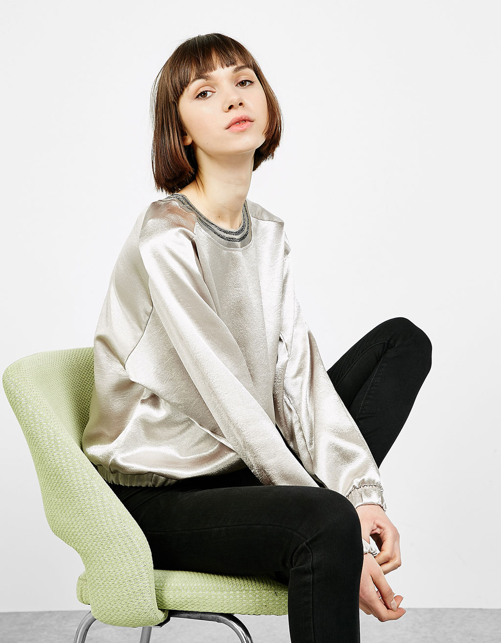 Glossy sweatshirt with a ribbed collar
