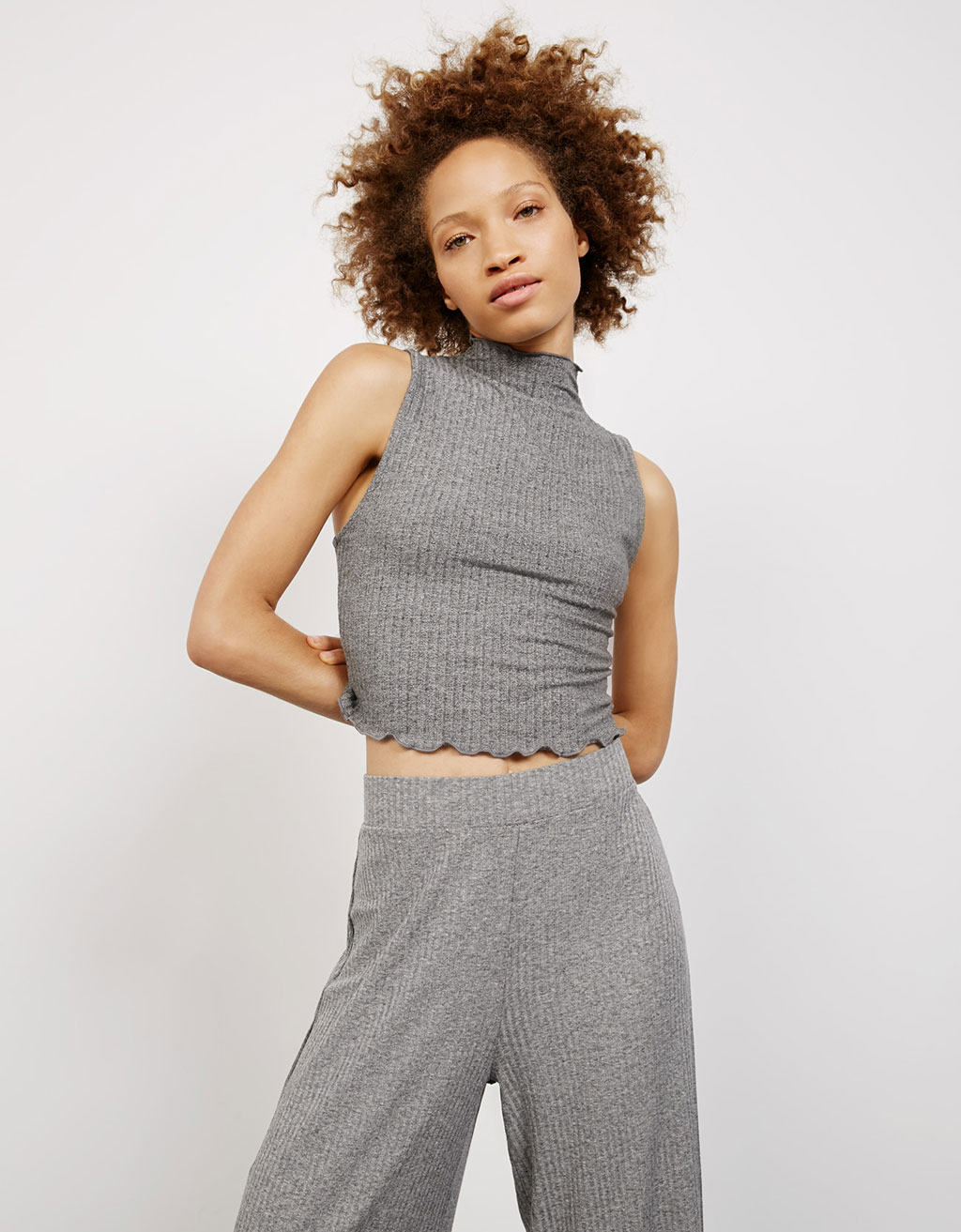 High nick curly, ribbed top