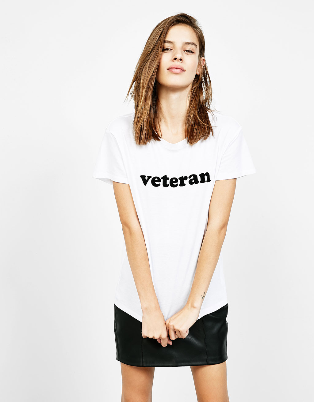 Shirt mit aufgedrucktem Schriftzug