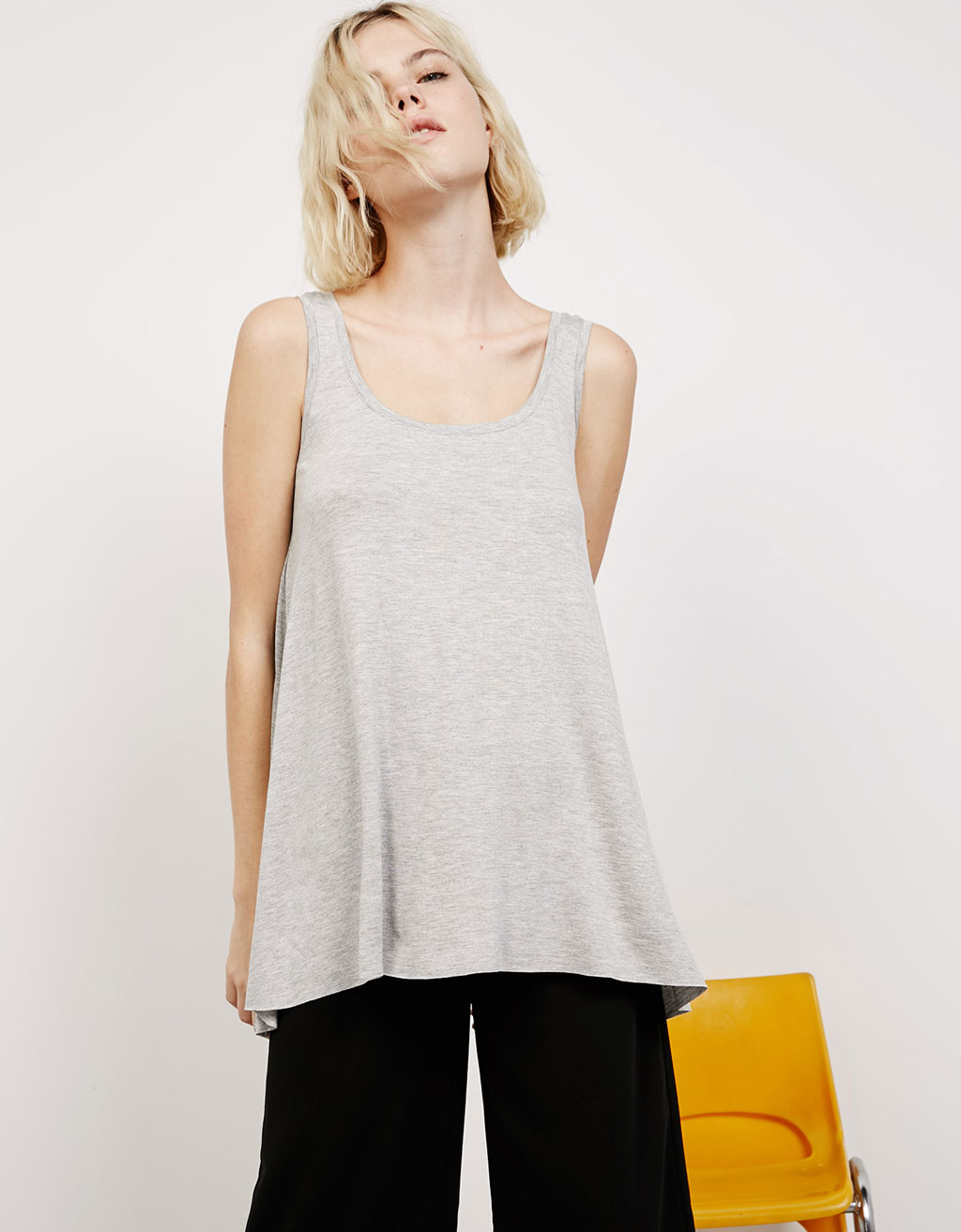 Strappy volumized top