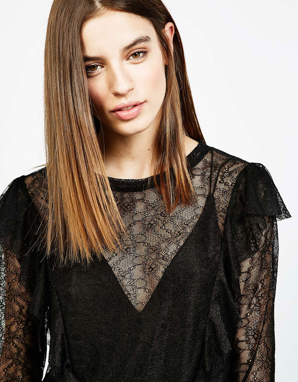 Frilled blonde lace T-shirt