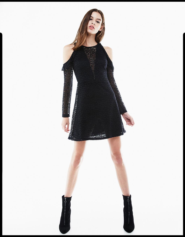 Φόρεμα cold shoulder με δαντέλα και βολάν