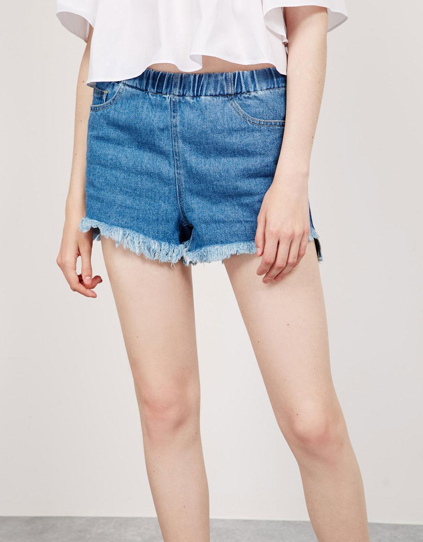Short denim goma cintura desflecado irregular