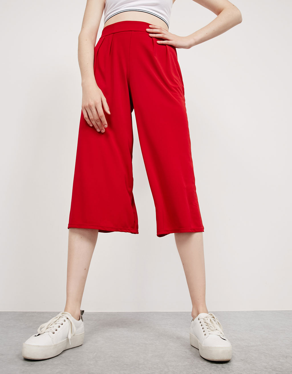 Flowy pleated culotte trousers