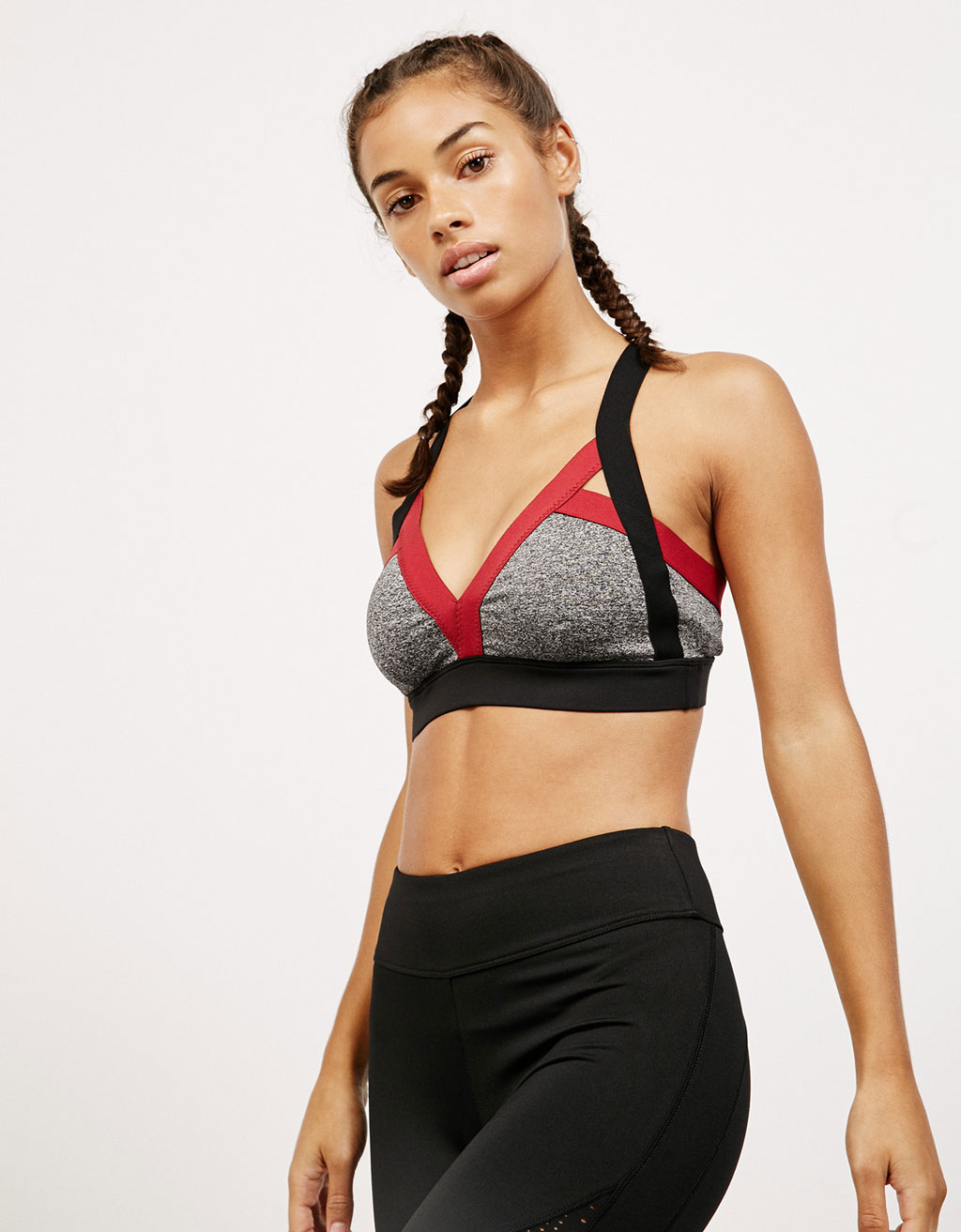 Color block technical sports top with stretch straps