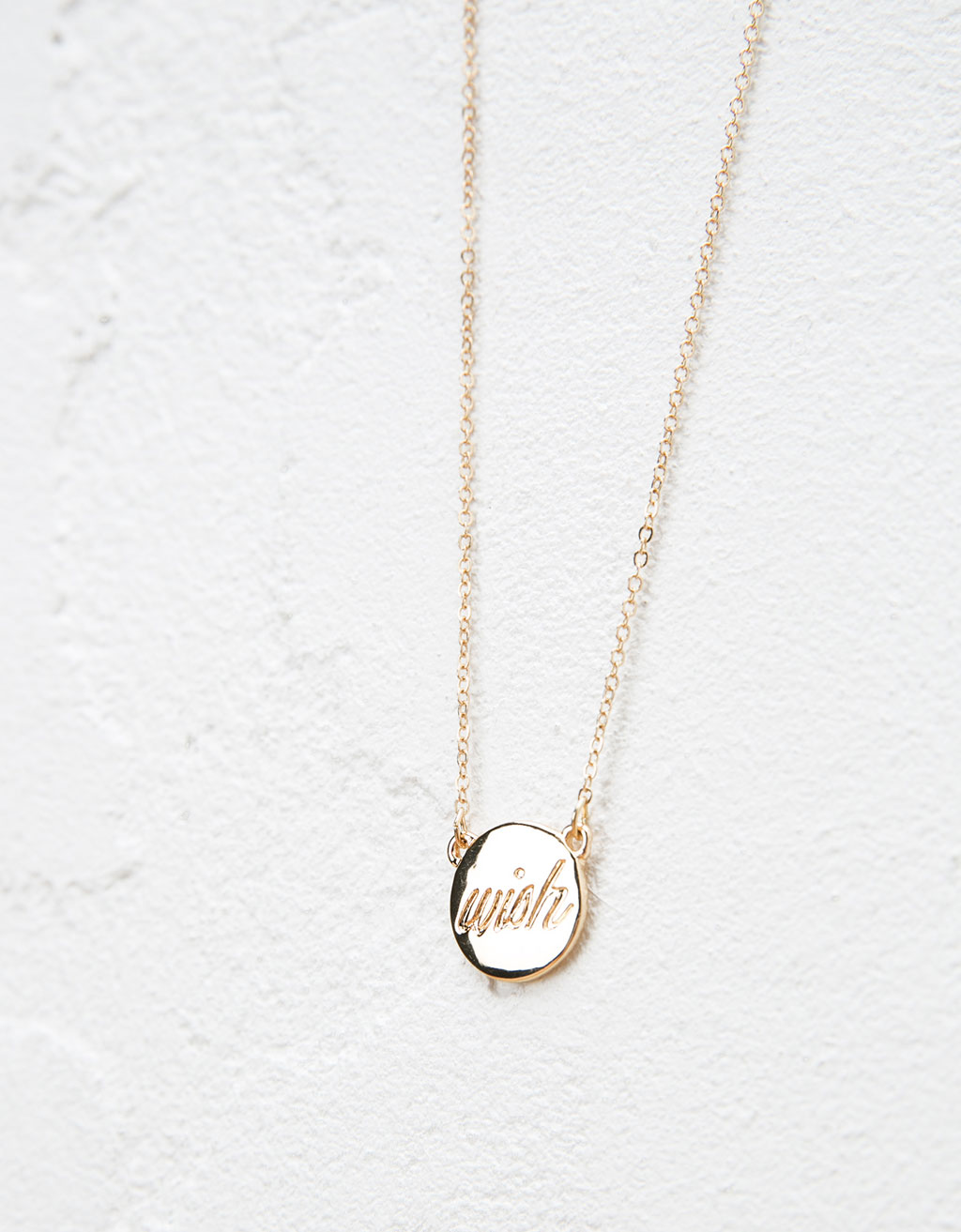 Circle message necklace
