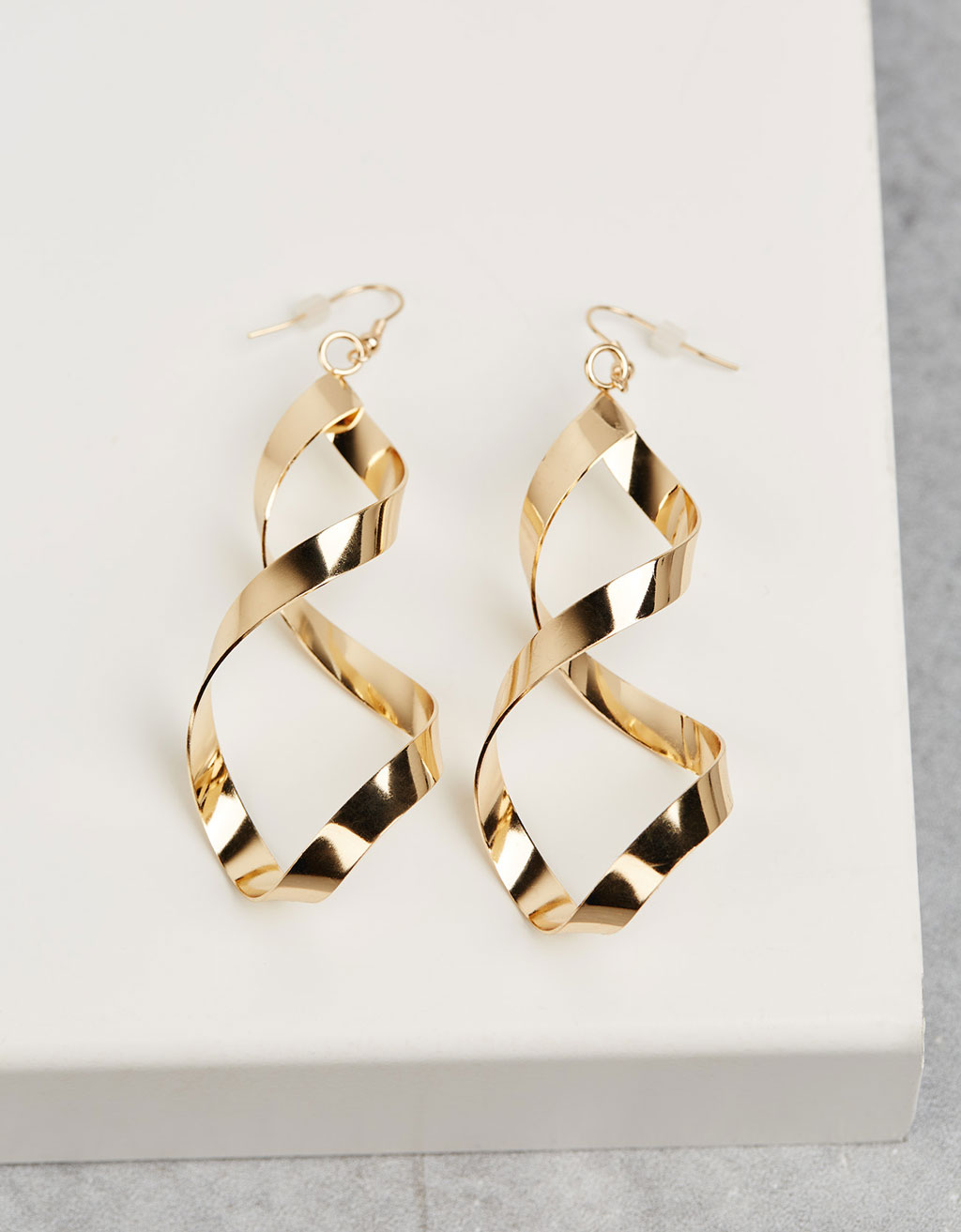 Large twisted earrings
