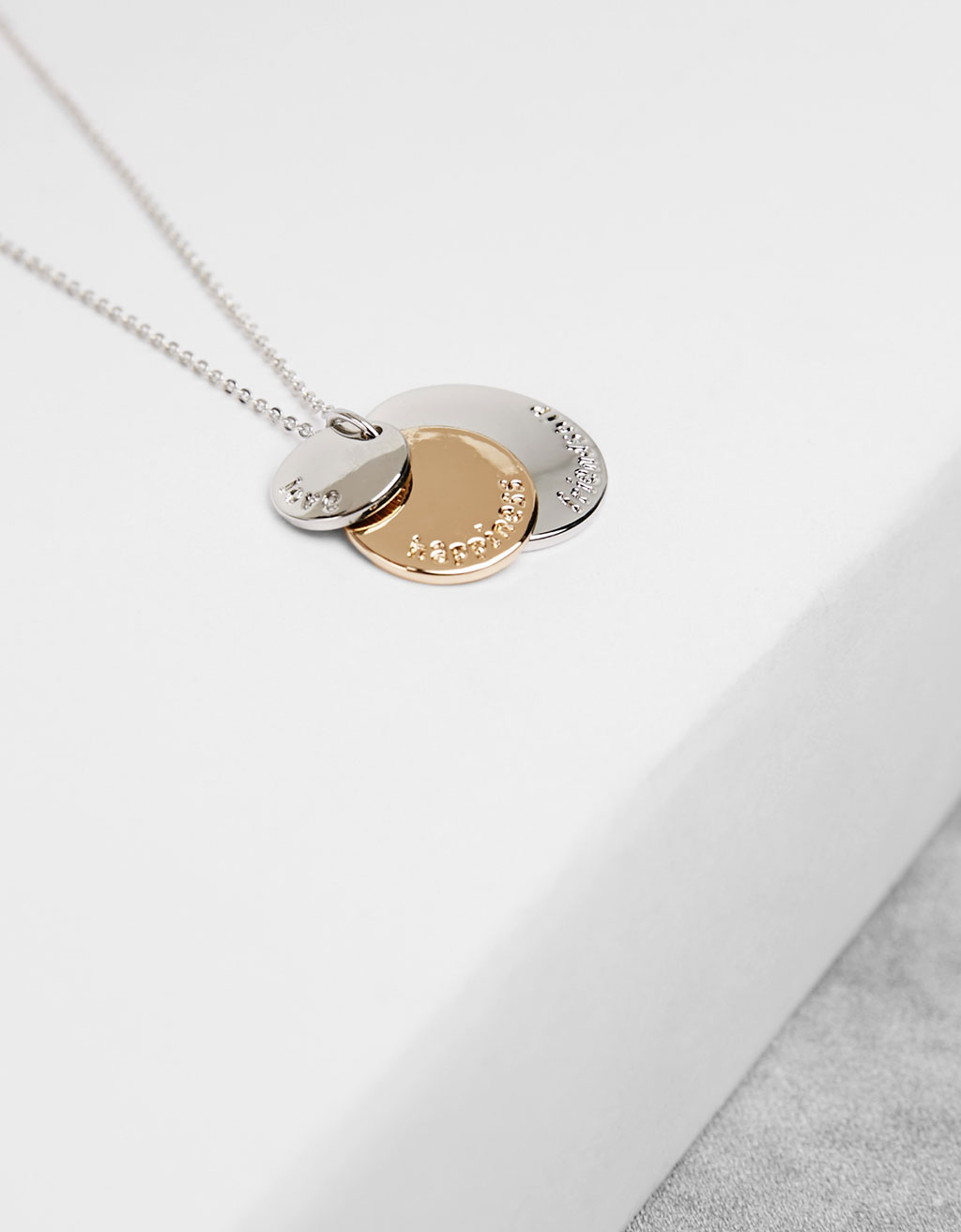Minimal necklace with three tags