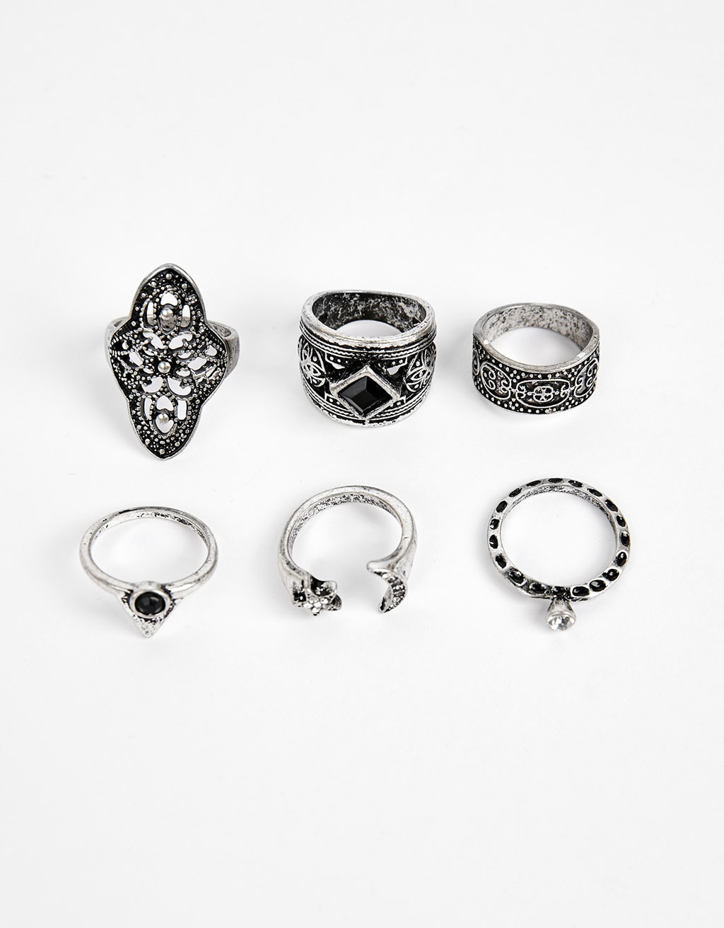 Set of bohemian crystal rings