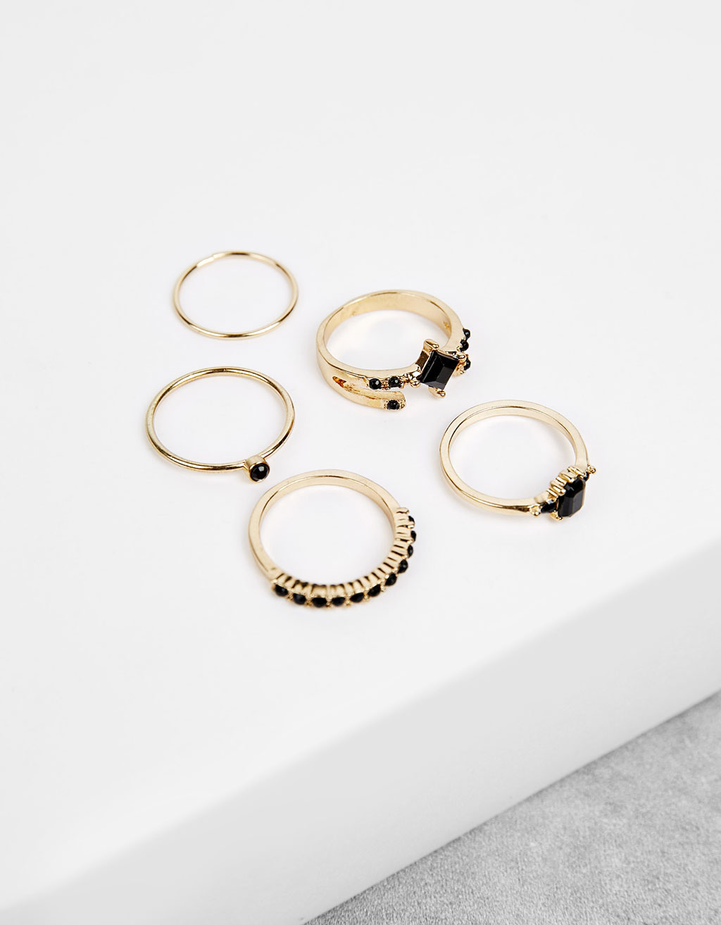 Set of black stone rings