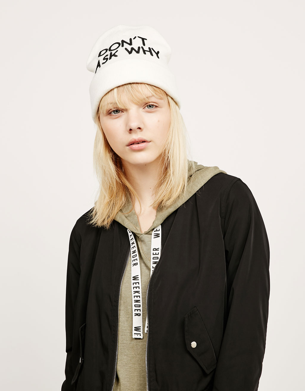 Ecru beanie with text
