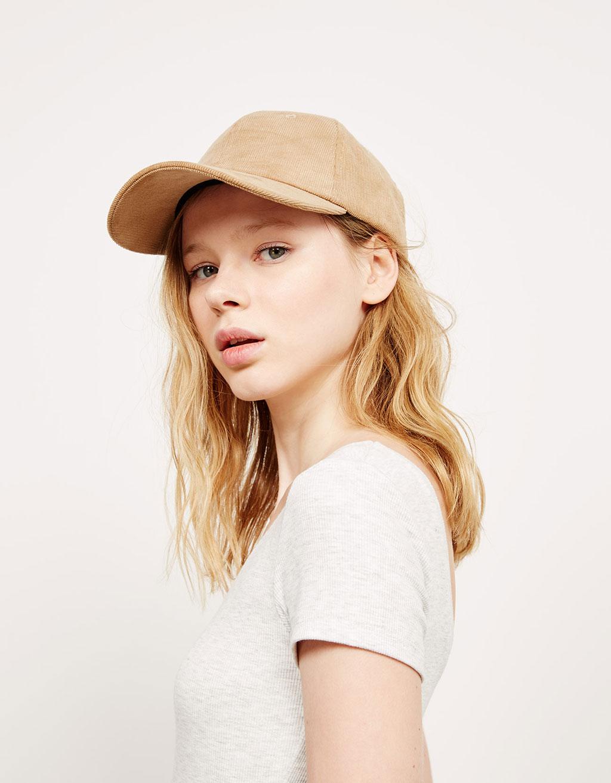 Gorra de pana
