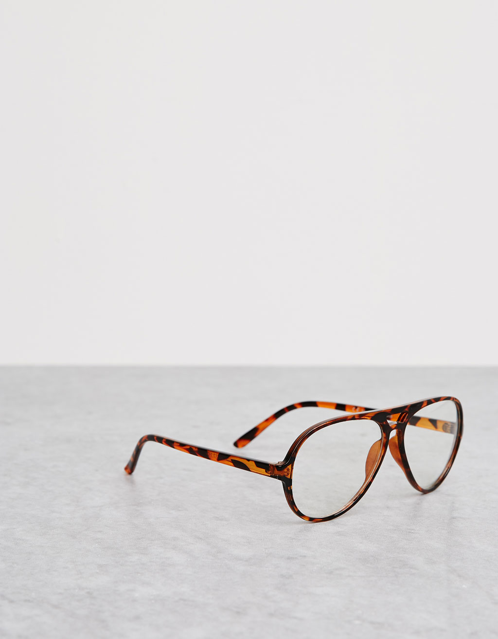 Aviator style reading glasses