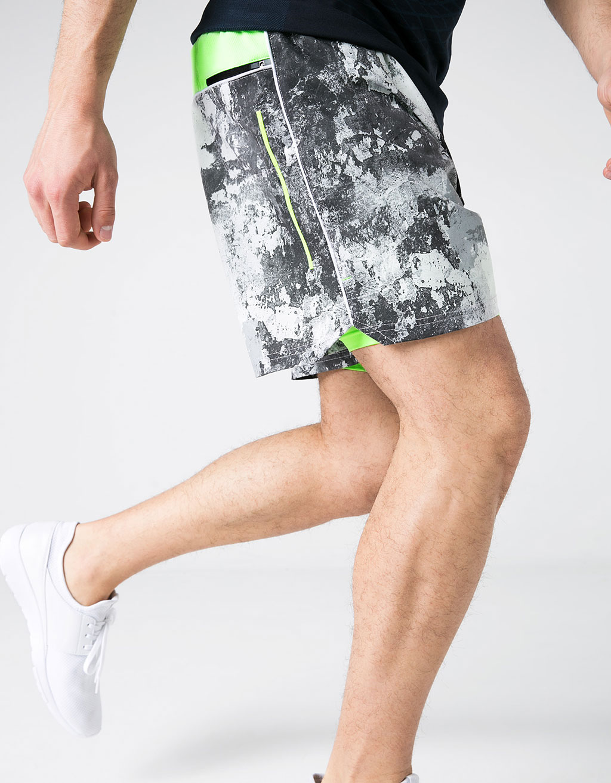 Zip and drawstring plush sports shorts