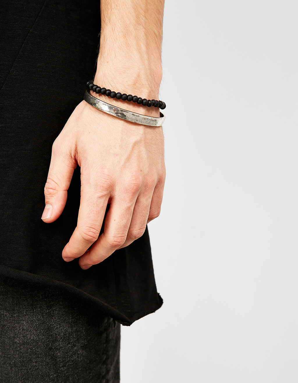 Rigid armband