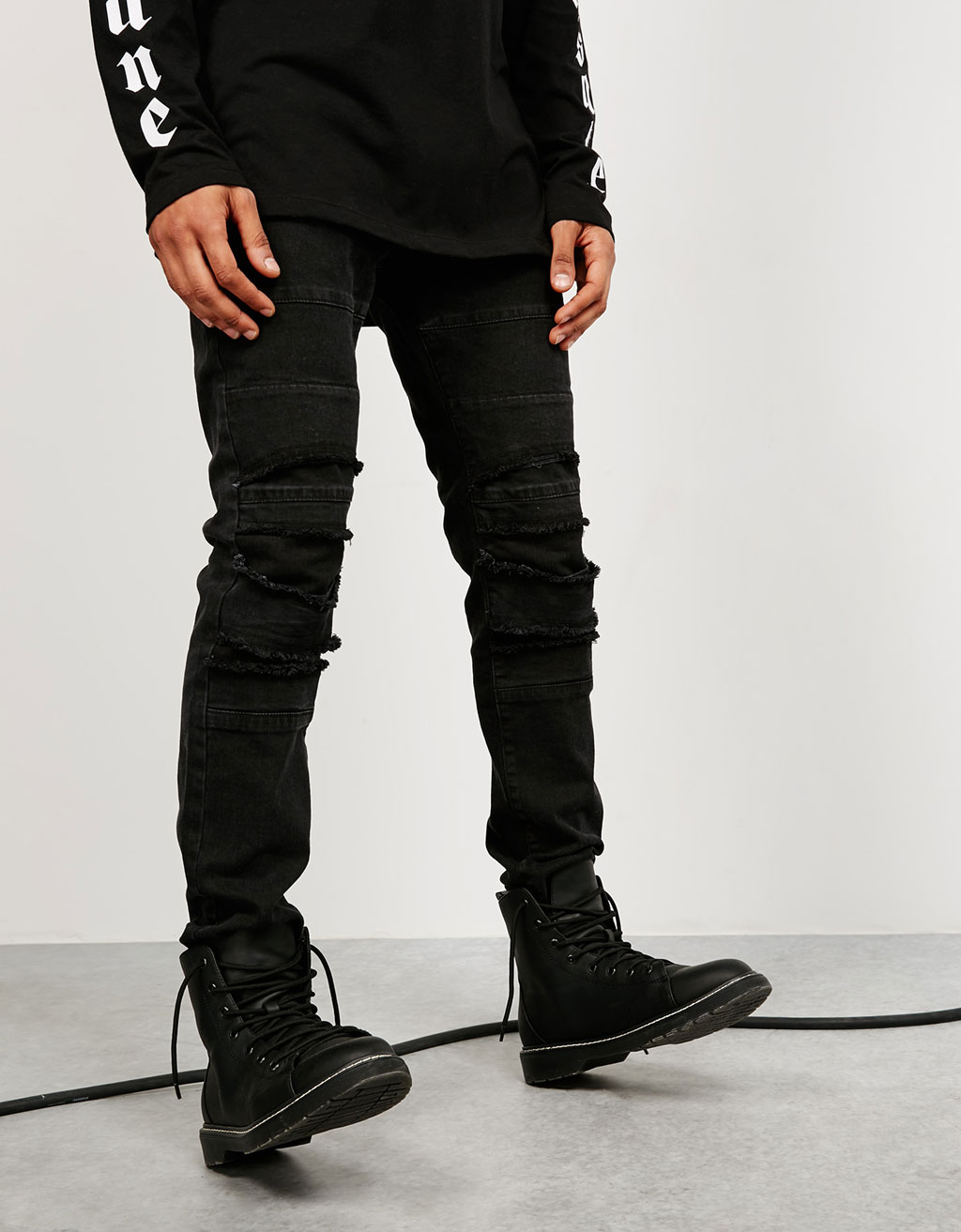 Ripped knee slim biker jeans