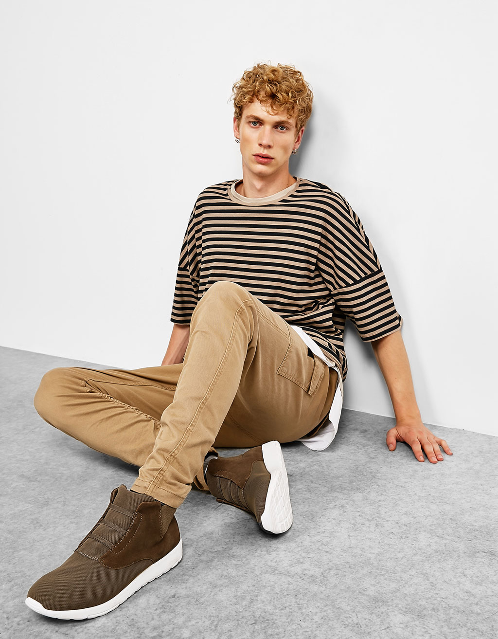 Cargo jogging trousers with gathered hem