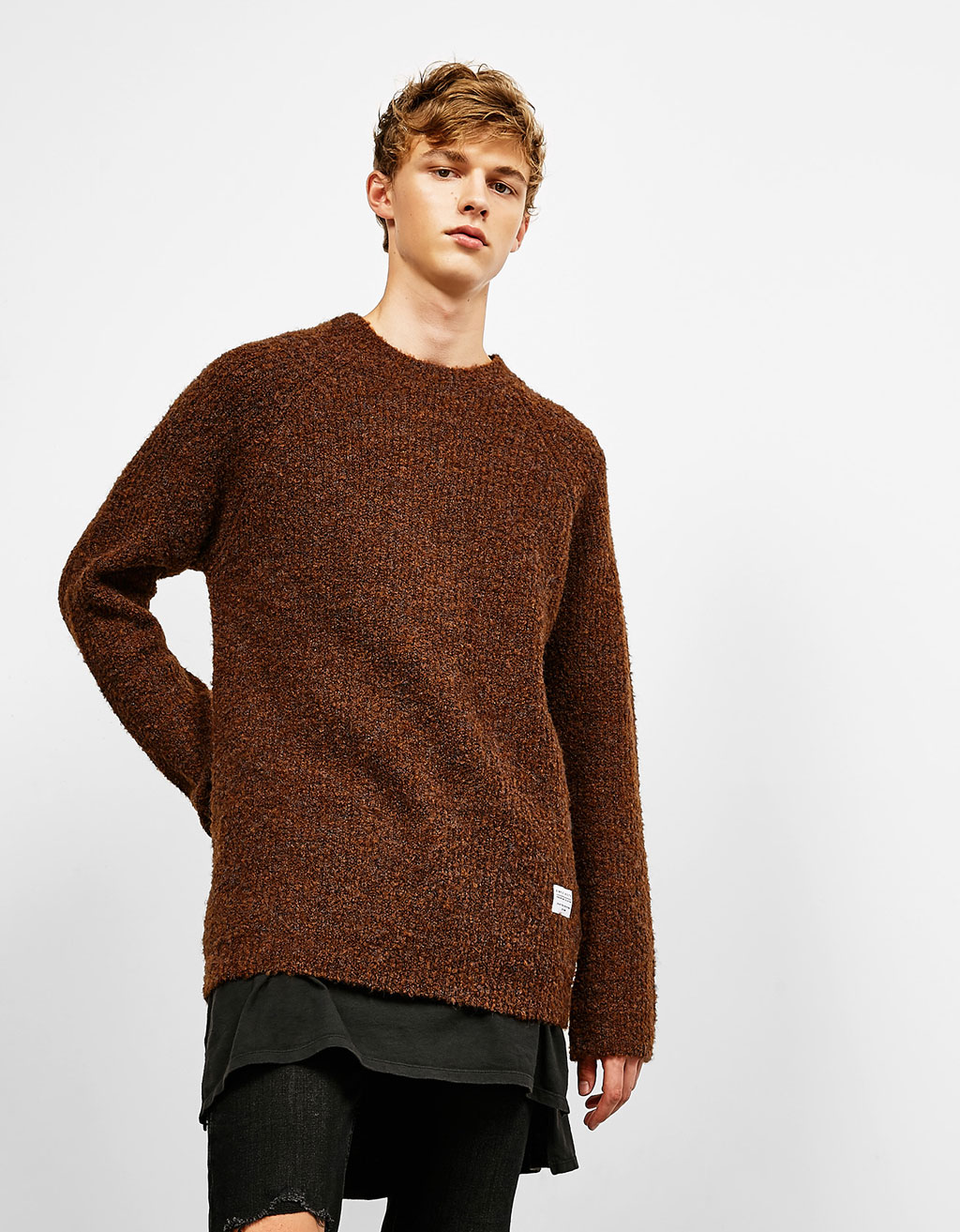 Raglan sleeve knit sweater