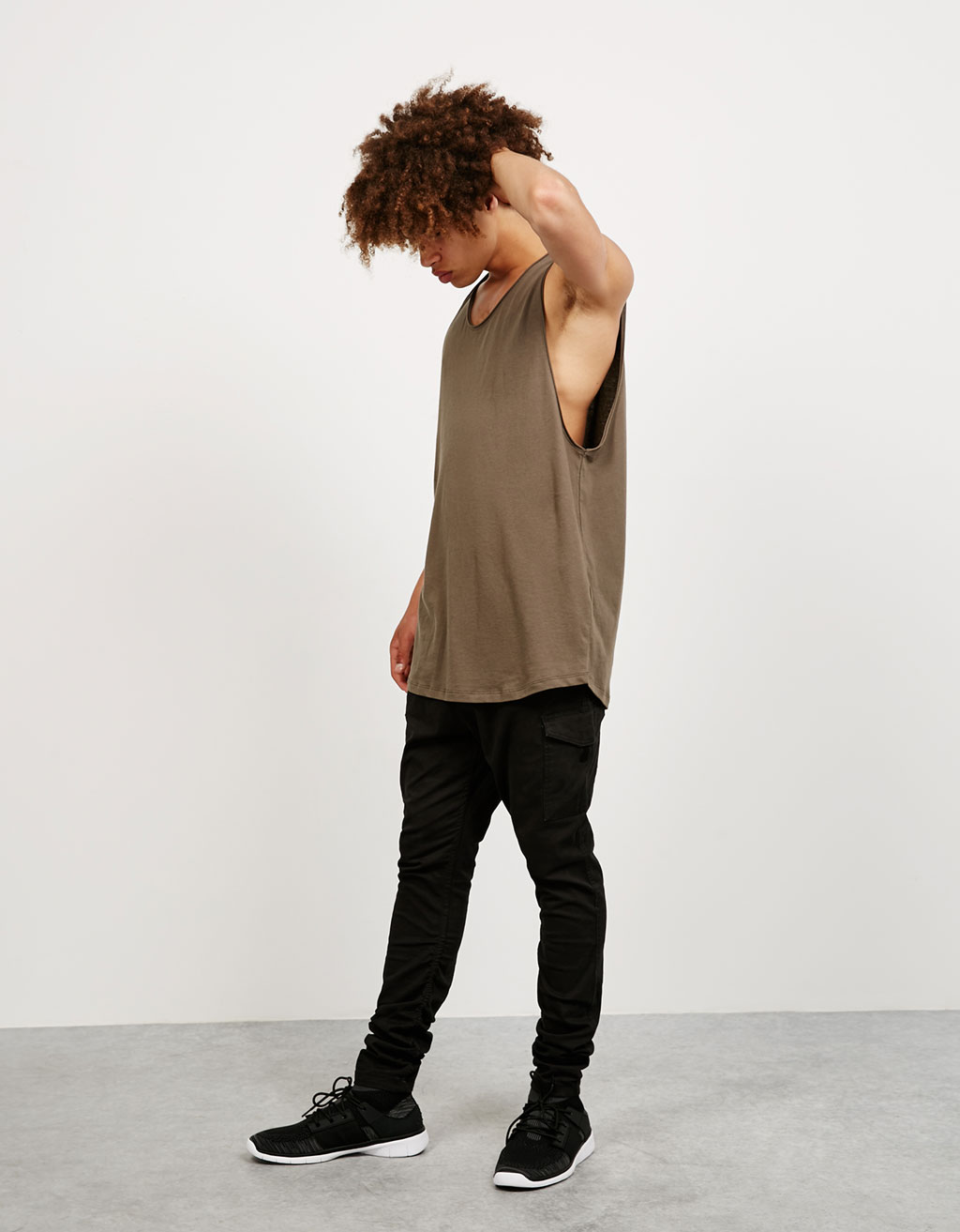 Wide sleeveless top