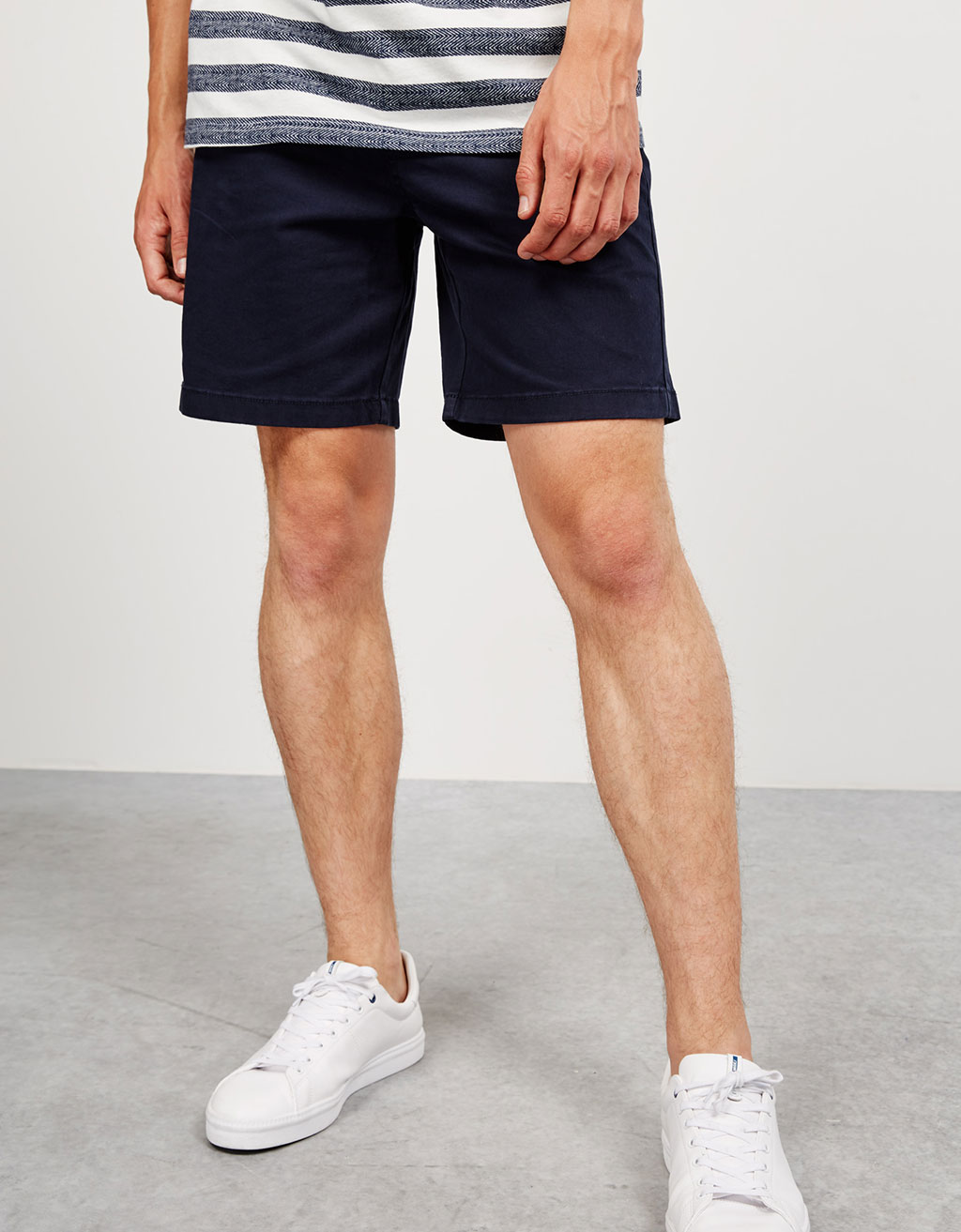 Cotton bermudas with contrasting belt