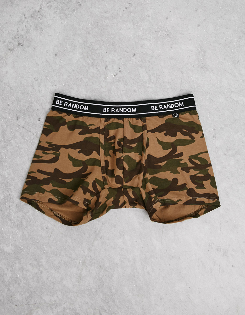 Contrasting waist camouflage boxers