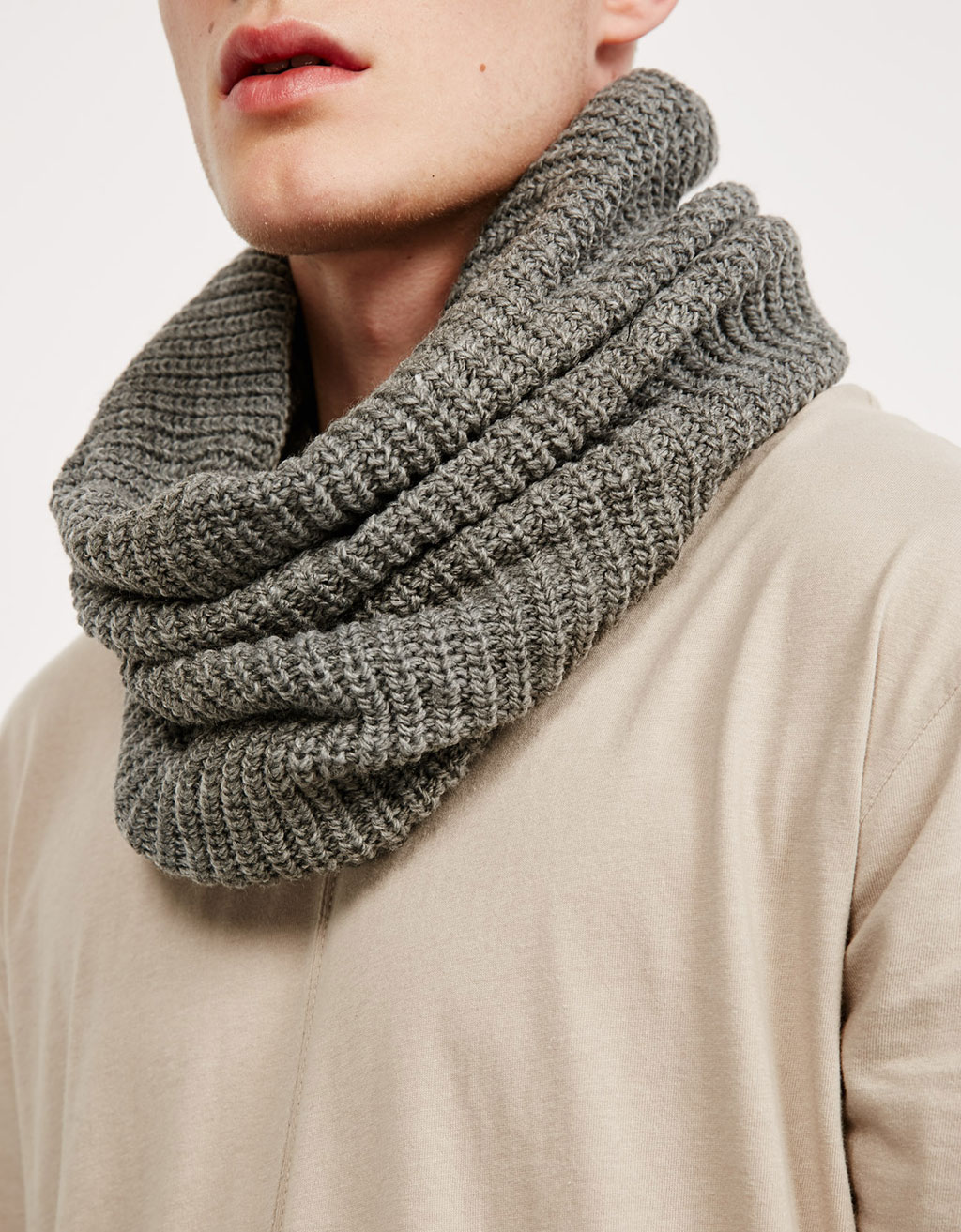 Ribbed snood scarf