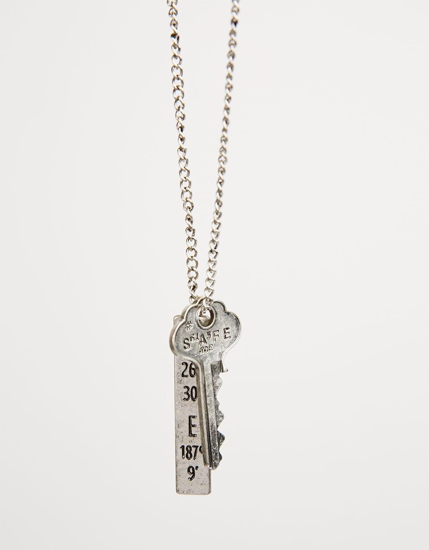 Key & plate pendant