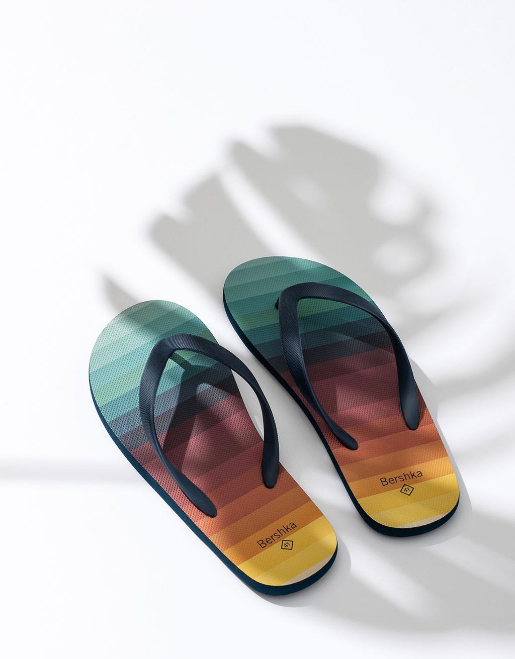 Men's print flip flops