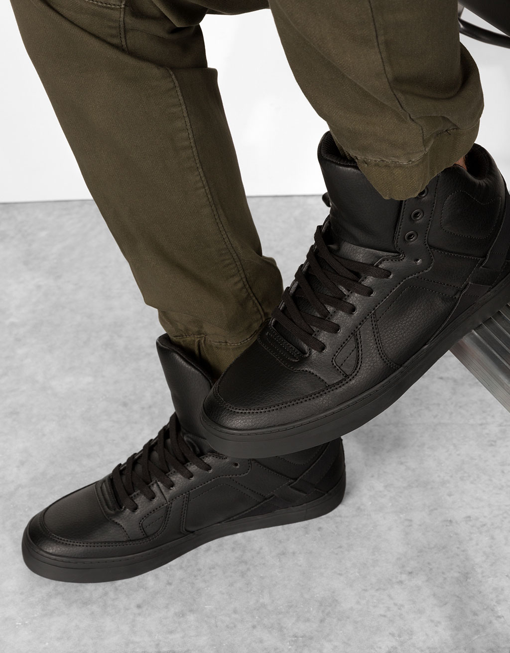 Men's contrast technical high tops
