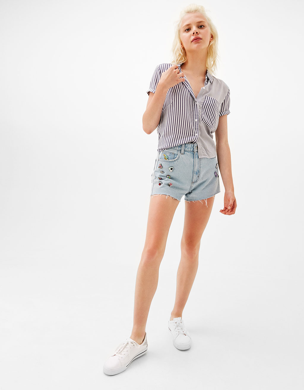 Cropped shirt with back knot