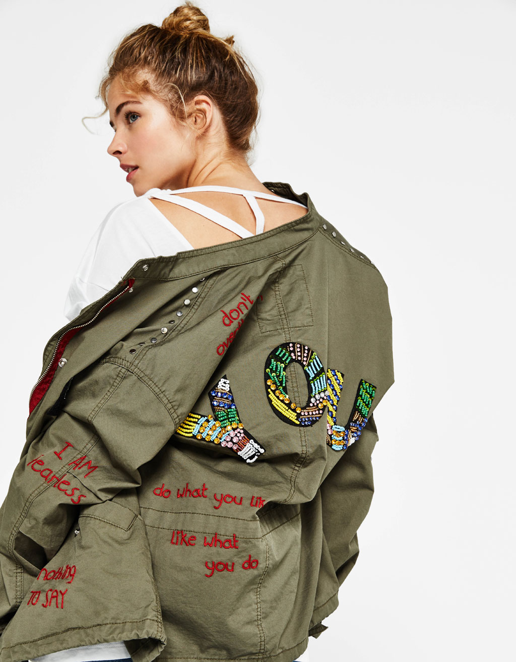 Army-Jacke mit Patches