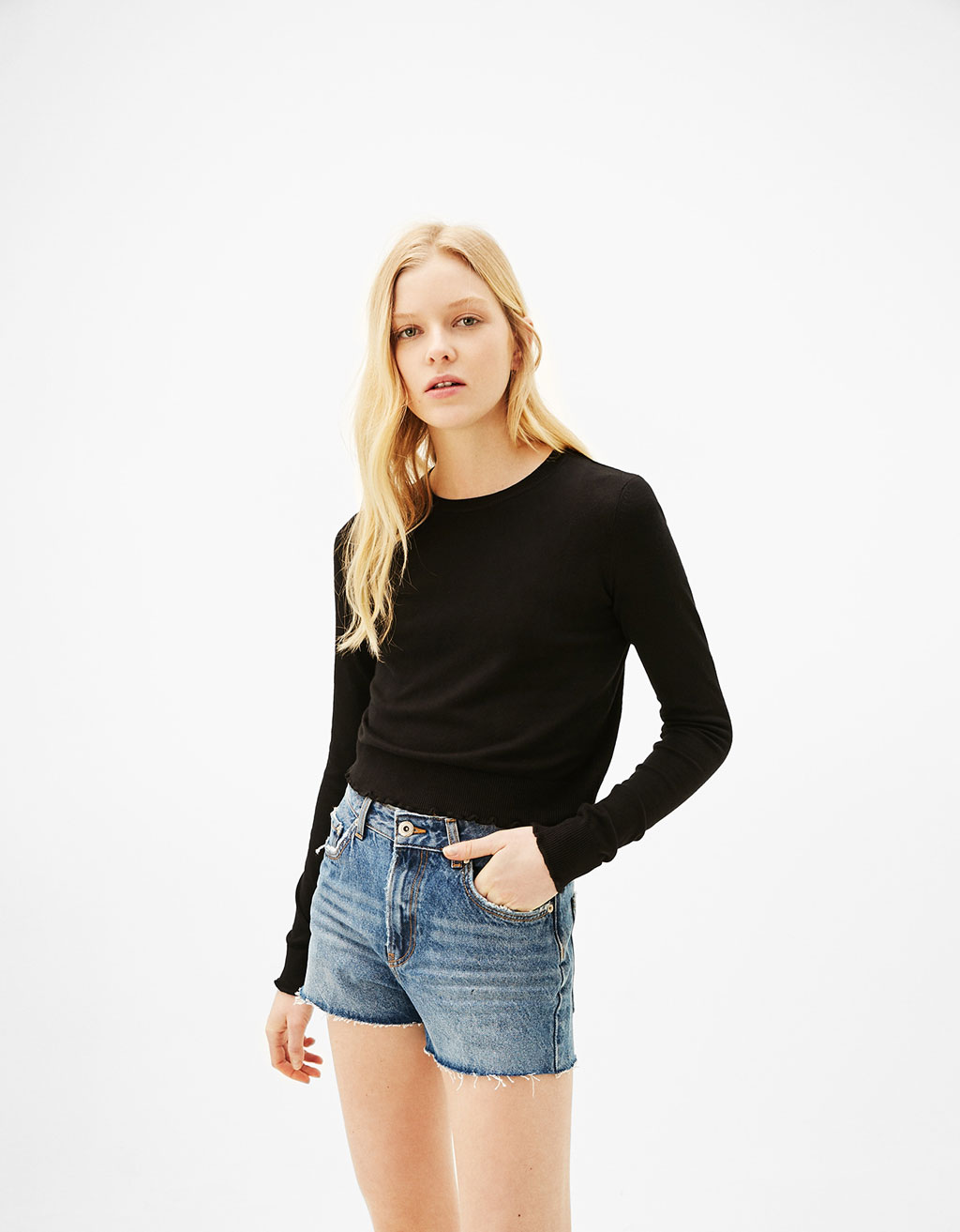 Sweater with round neck and micro-ruffles