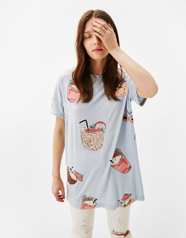 Объемная футболка с принтом