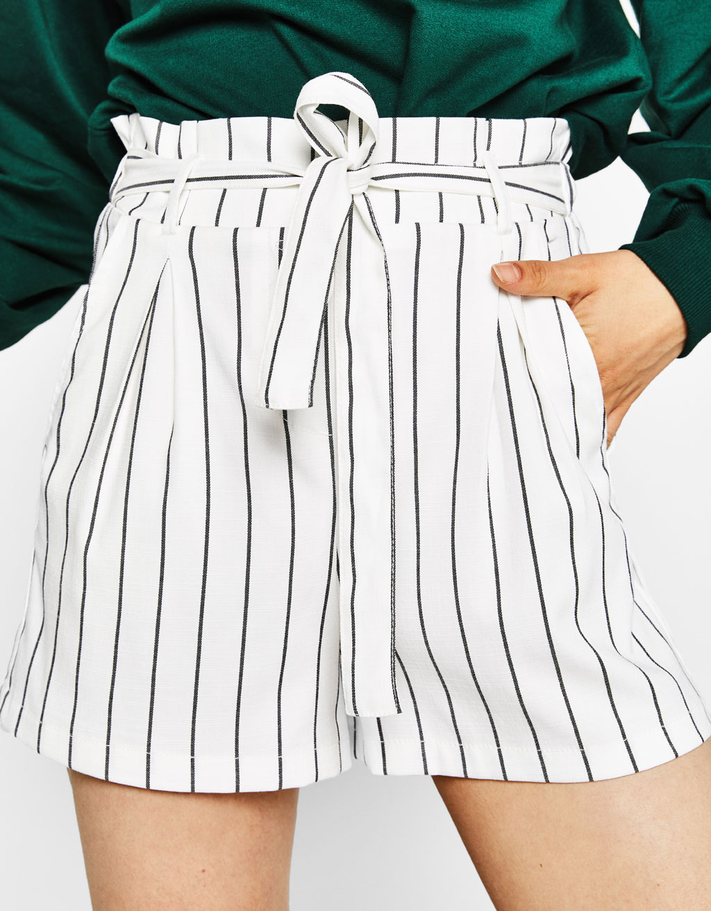 Tailoring shorts with bow belt